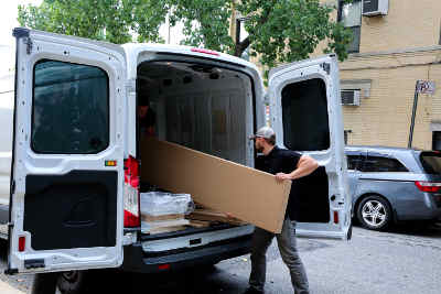 Unloading ikea delivery from a van